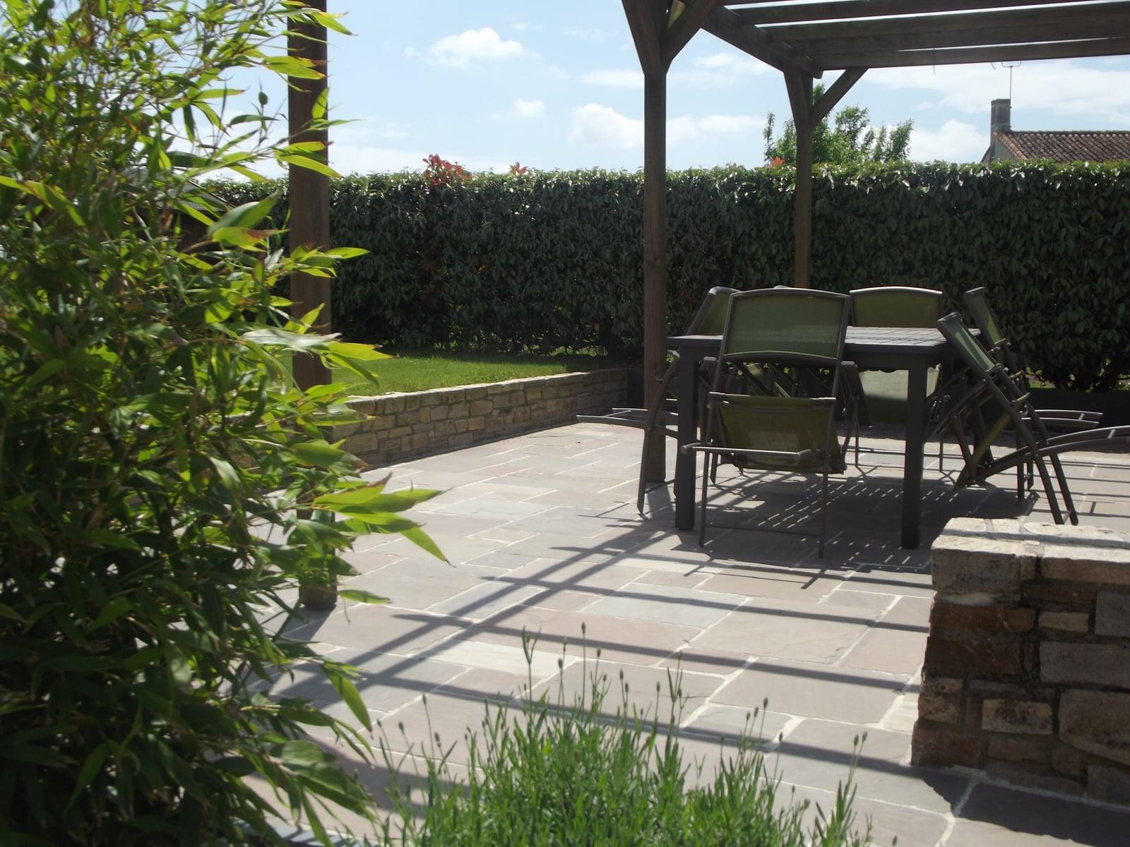 Comment préparer sa terrasse pour la belle saison ?