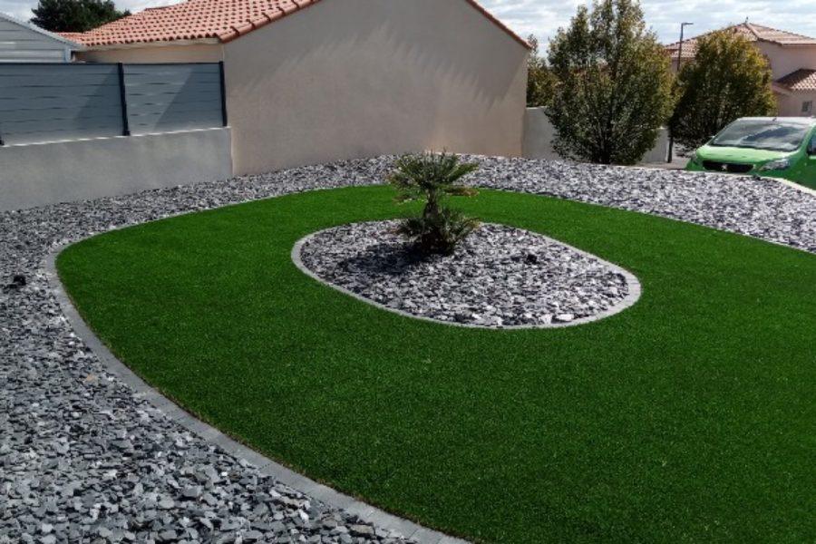 Le gazon synthétique dans votre jardin : bonne ou mauvaise idée ?